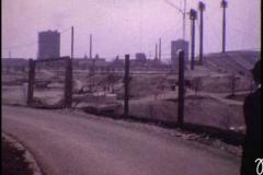 Olympia-Stadion mit Gaskessel im Hintergrund